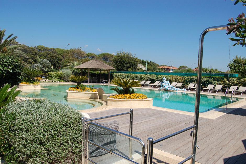 Bagno la fenice a forte dei marmi relax nell 39 area piscina - Bagno italia forte dei marmi ...