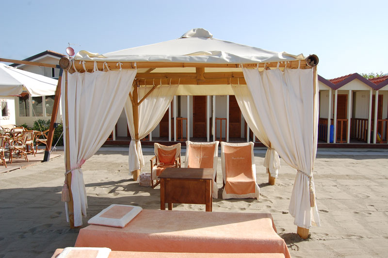 Home - Bagno La Fenice - beach with swimming pool, restaurant ...